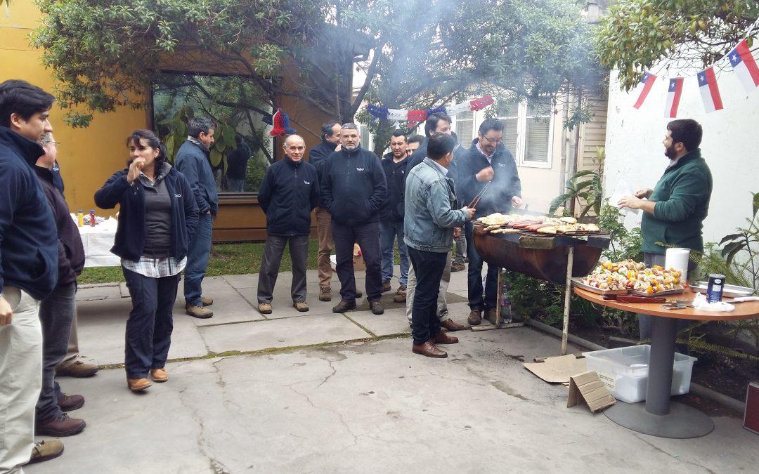 Celebración de Fiestas Patrias del equipo Teiko